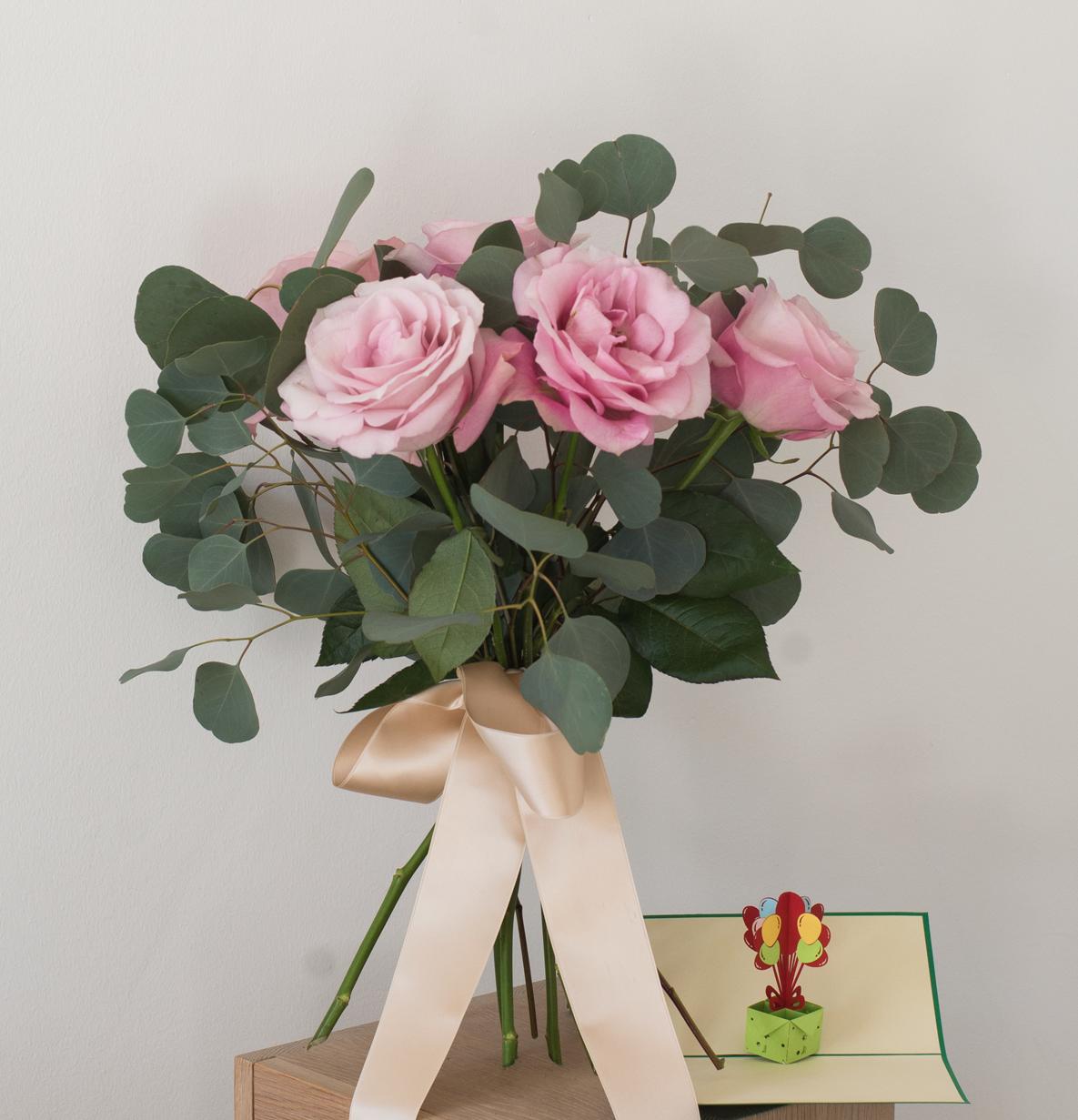 Skicka blommor med Flowery